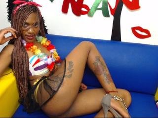BlackHotJade - Chat cam hot with this reddish-brown hair Girl