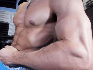 Picture of the sexy profile of MysteriousAndy, for a very hot webcam live show !