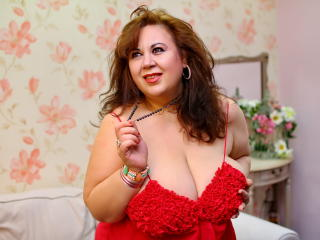 BustyViolet - Show live exciting with a shaved intimate parts MILF