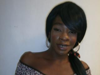 Picture of the sexy profile of KamilitaHorniFu, for a very hot webcam live show !
