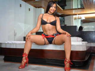 CamilaFlower - Live sex with a charcoal hair Girl