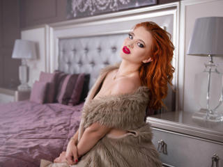 Sexy profilbilde av modellen  PlayfulFoxy, for et veldig hett live webcam-show!