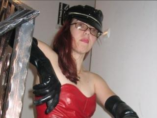 Photo de profil sexy du modèle LeatherMistress, pour un live show webcam très hot !