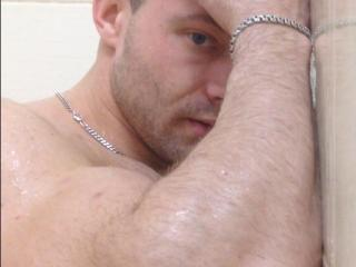 Picture of the sexy profile of JoelAh, for a very hot webcam live show !