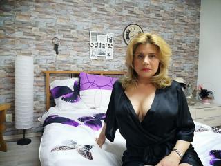 Sexy Profilfoto des Models QueenBlondy, für eine sehr heiße Liveshow per Webcam!