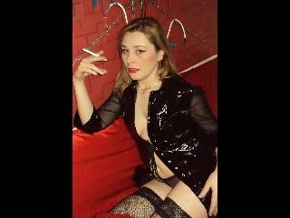 Photo de profil sexy du modèle NiceSexyBlonde, pour un live show webcam très hot !