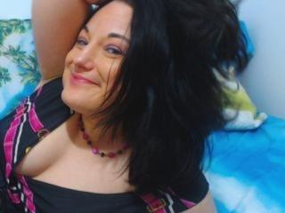 LadyLisaUnique - Video chat exciting with a charcoal hair Lady