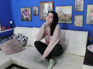 ShowWhiteX - chat online exciting with a lanky Girl